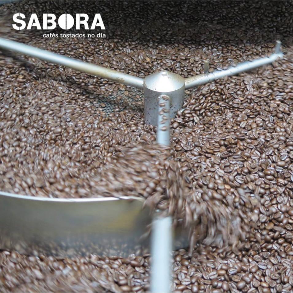 Torrado artesanal de café de especialidade