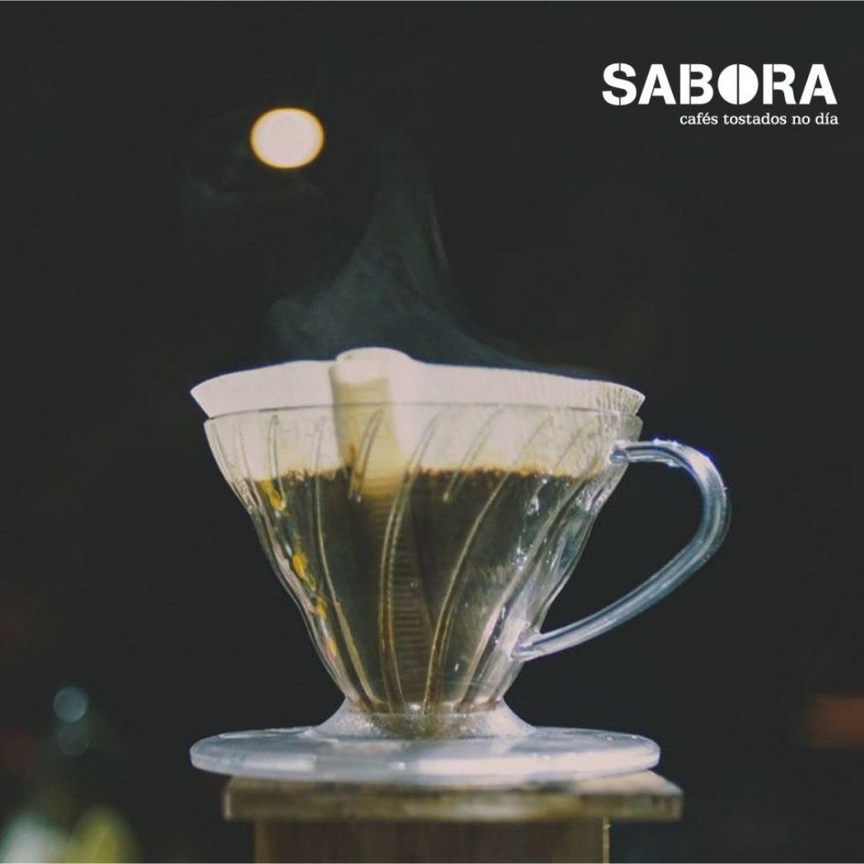 Cafeteira de cono V60 de Hario para cafés filtrados