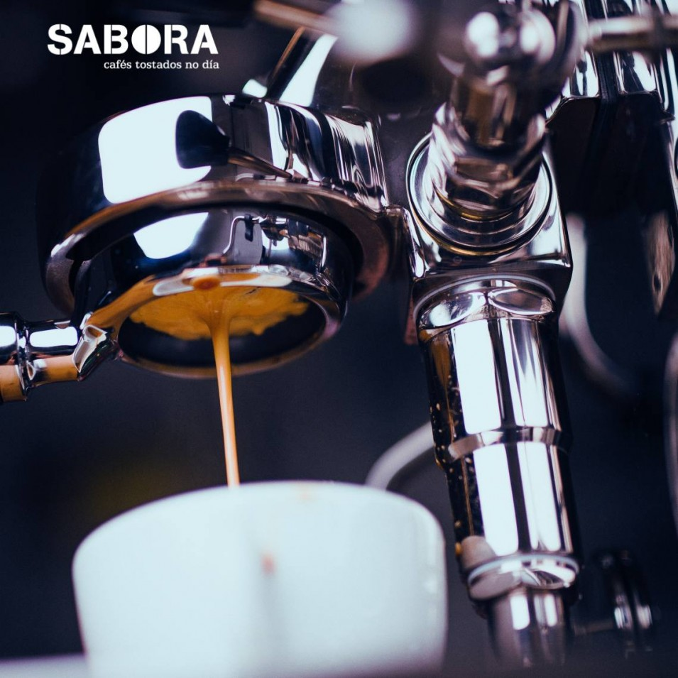 Espresso hecho con  porta filtro naked