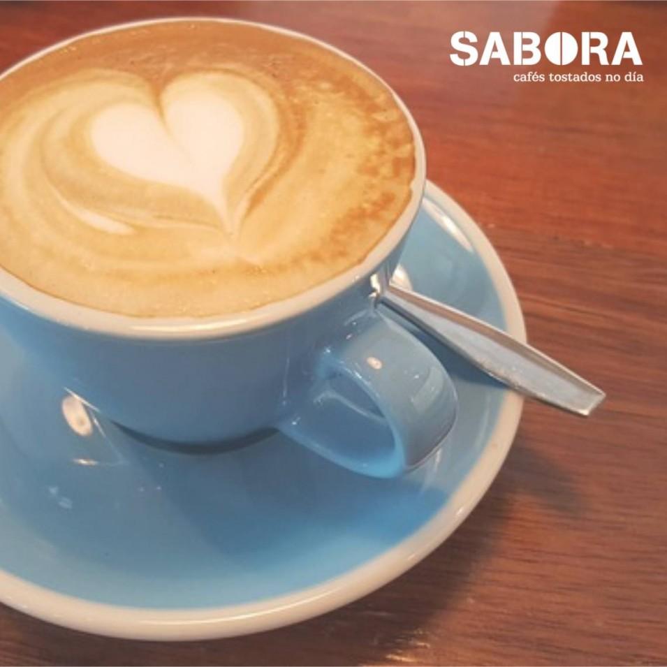 Café Flat White ou Branco plano